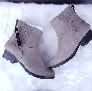Sorel Lolla Chelsea ash brown boots ankle NEW